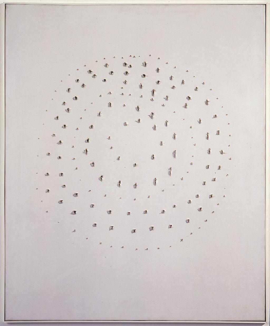 Lucio Fontana (1899 – 1968) Uzamsal Kavram, 1960 Perfore tuval üzerine yağlıboya ve suluboya 85 x 70 cm Rira Koleksiyonu