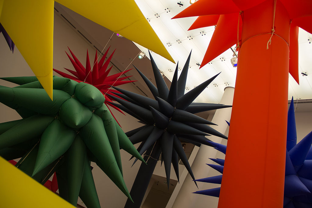 Otto Piene (1928 - 2014) Şişme Nesneler, 2014 Kumaş Çeşitli boyutlar Özel Koleksiyon
