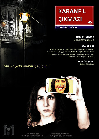 """Tiyatro Mola ekibi 29 Mart Salı 20.30'da """"Tiyatro Yan Etki Maya Cüneyt Türel Sahnesi""""nde prömiyerini yapacakları Karanfil Çıkmazı adlı oyunlarıyla perdelerini tiyatro sevdalılarına açıyor."""
