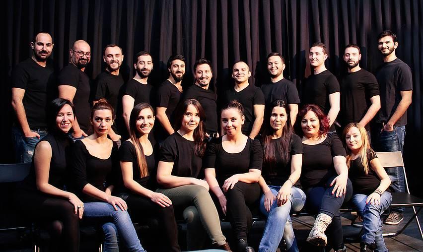 2007 yılında kurulmuş olan Tiyatro Mola, aynı zamanda farklı mesleklere sahip ekip arkadaşlarından oluşan bir tiyatro topluluğudur.
