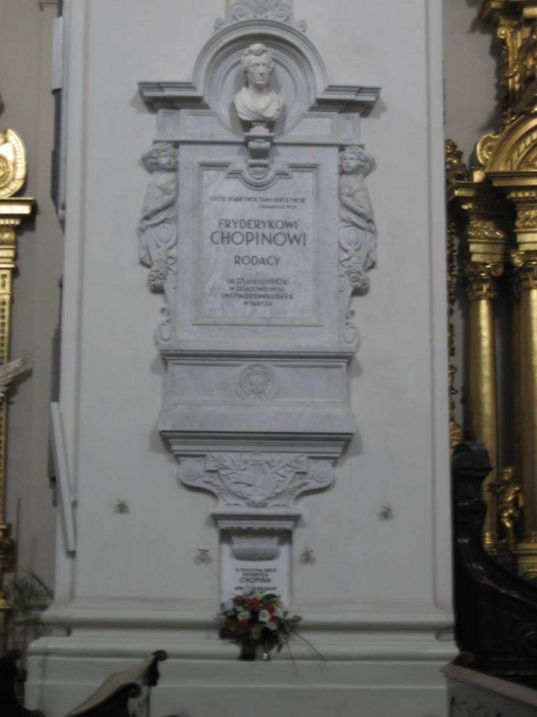 Chopin'in kalbi Varşova'da bir kilisede saklanıyor, muhafaza ediliyor.