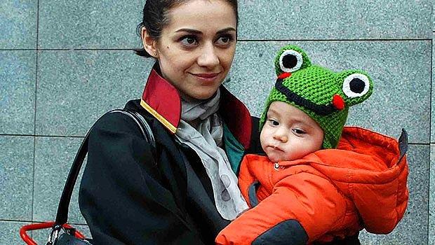 Feyza Altun, bebeğiyle birlikte adliyede.