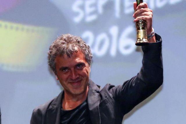 Altın Koza'da En İyi Film Ödülü Reha Erdam'in Koca Dünya'sı aldı.