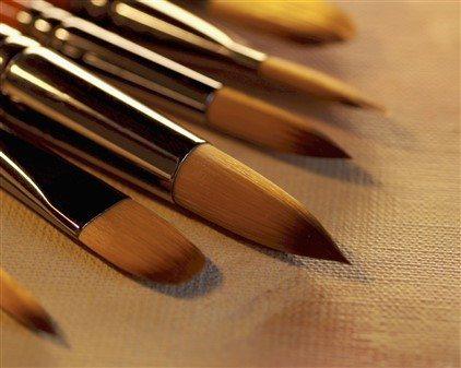 Samur fırçalar, oldukça hassas fırçalardır ve temizliklerine büyük özen gösterilmelidir.