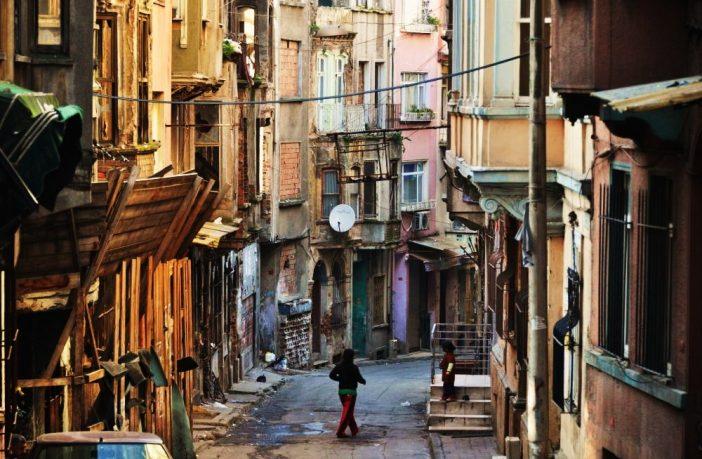 Sokağın Şairi / Öykü
