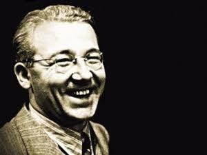 1907-1948 yılları arasında yaşamış olan edebiyatımızın usta kalemi Sabahattin Ali, 25 Şubat 2016 tarihiyle 109 yaşında. Bu vesileyle iyi ki doğdun Sabahattin Ali diyoruz.