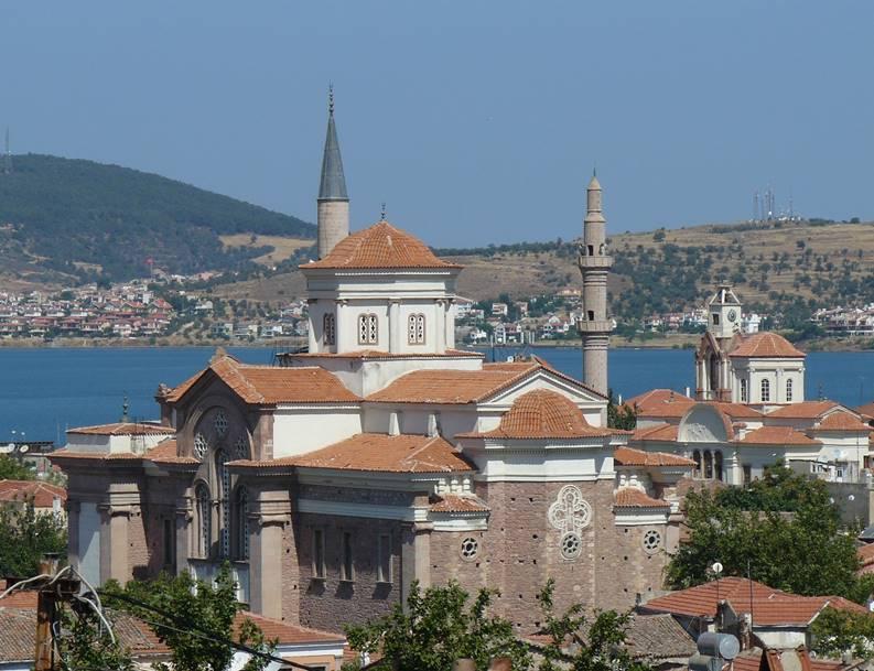 Çınarlı Camii (Agios Yorgios) ve Saatli Camii (Agios Yannis), Ayvalık.