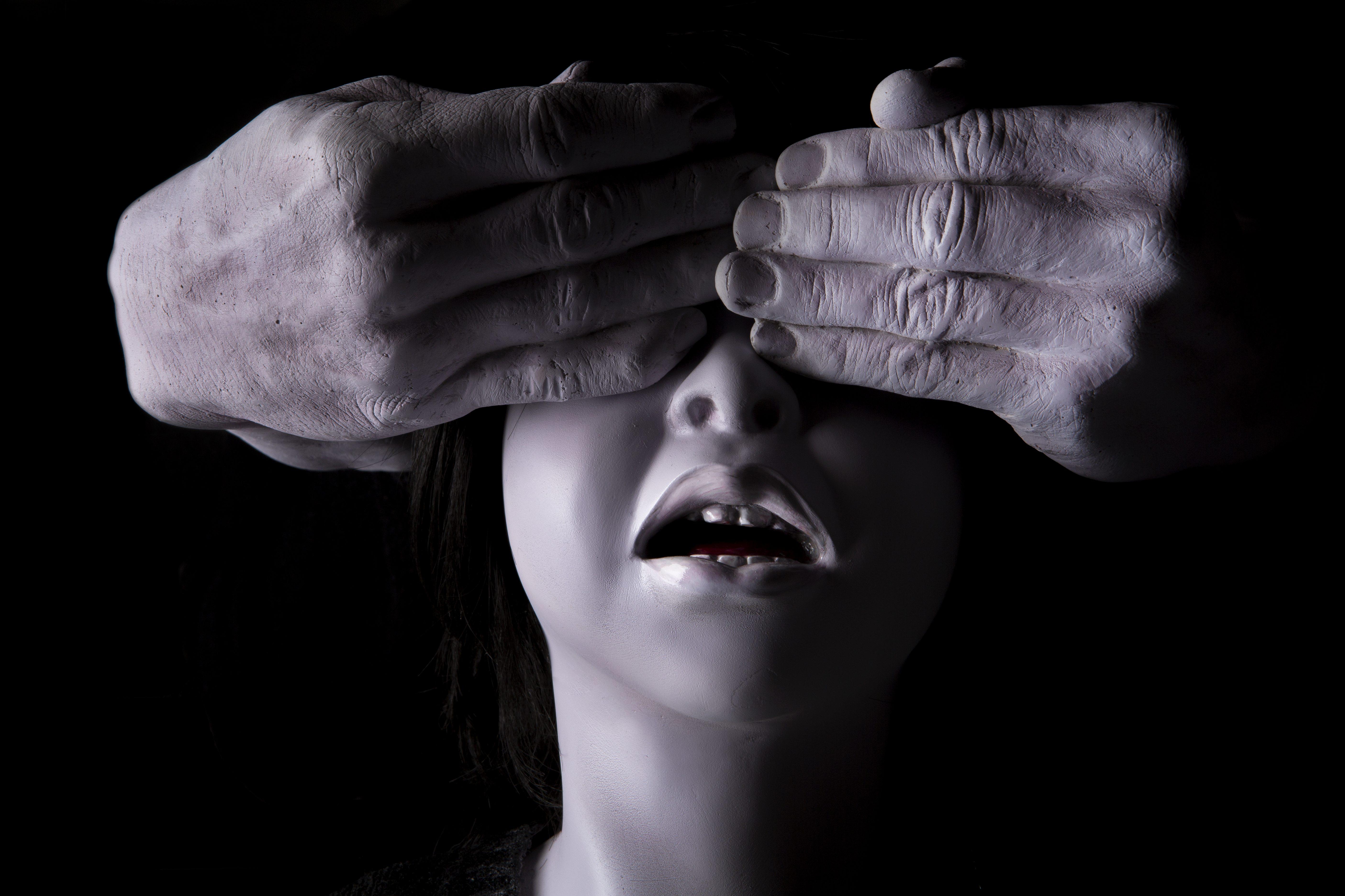 Sonia Serpil Aslan'la çocukluğun gizli ve karanlık odalarına yolculuk