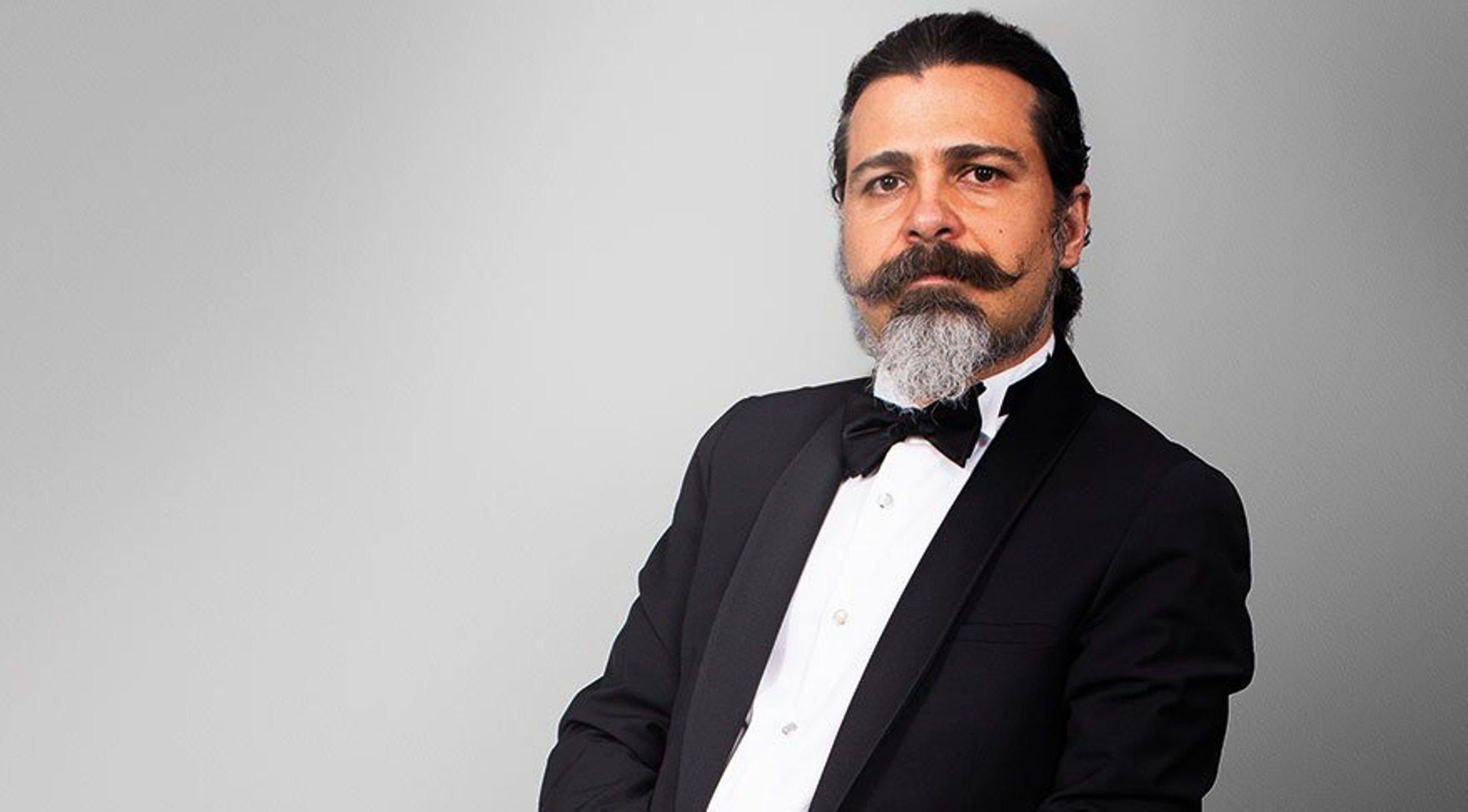 SOLİST HAKAN ALİ TOKER ( Piyano )