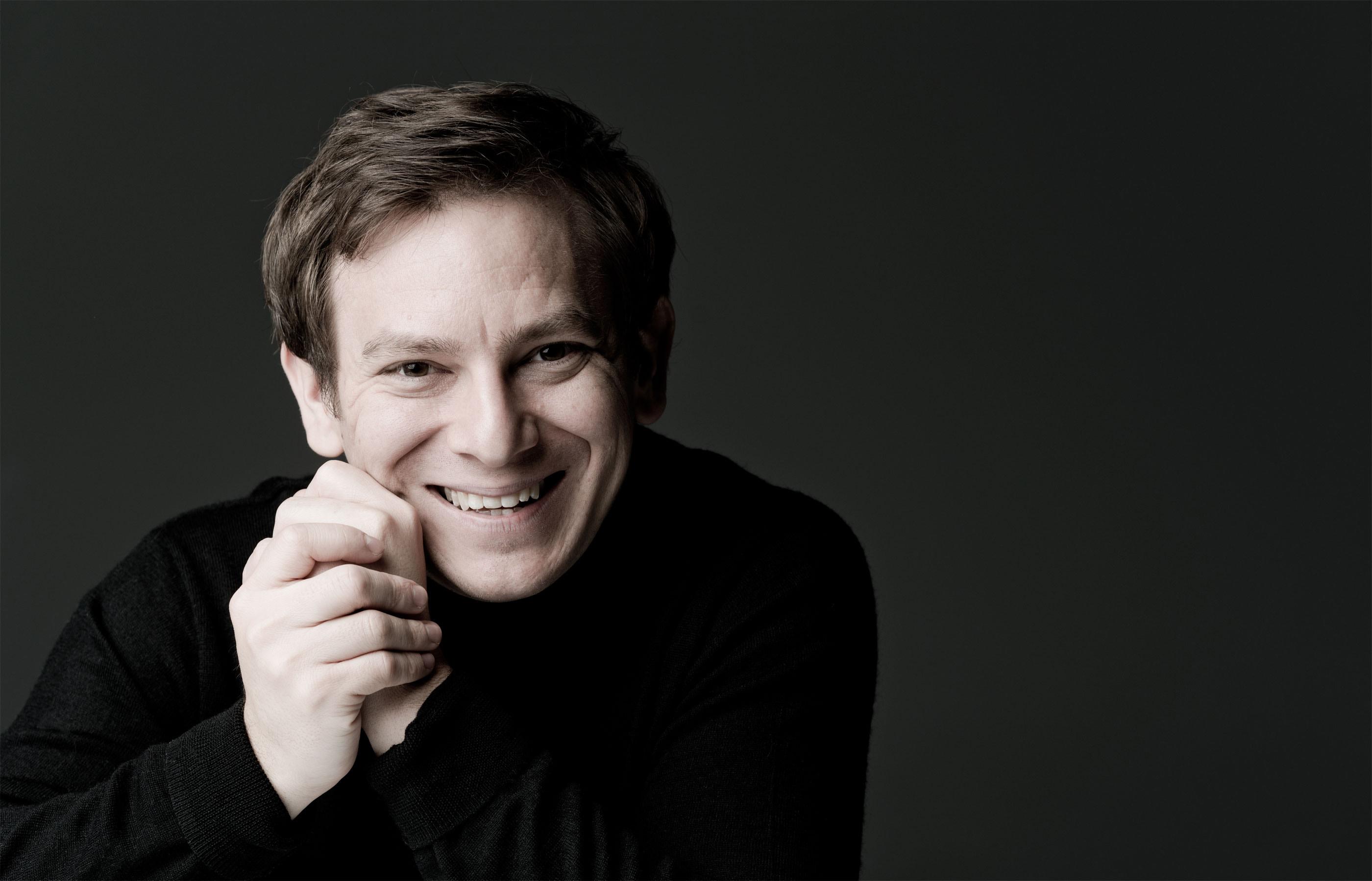 Orkestra Şefi Daniel Smith