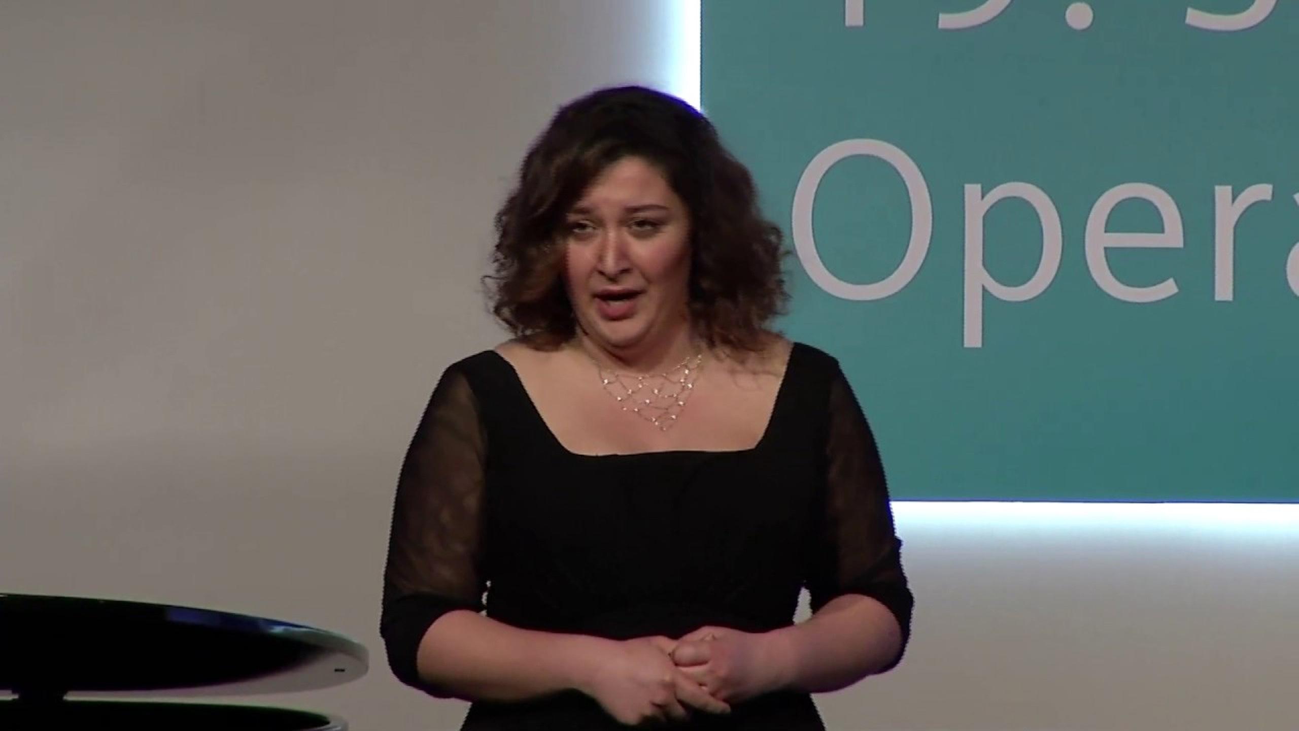 solist Selin Uzun ( soprano )